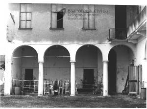 Portico della residenza nobiliare (1990)