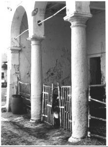 Particolare del portico (1990)